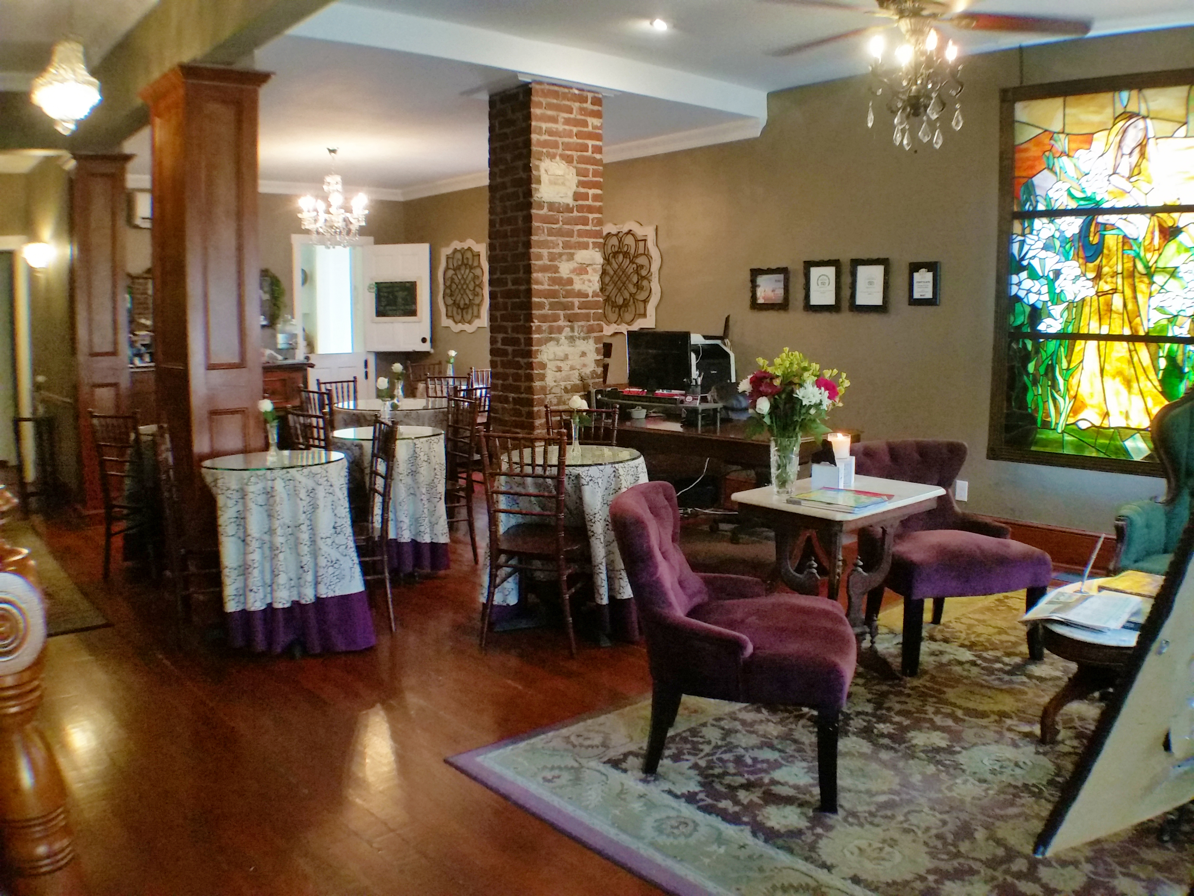 Dining Room/Parlor